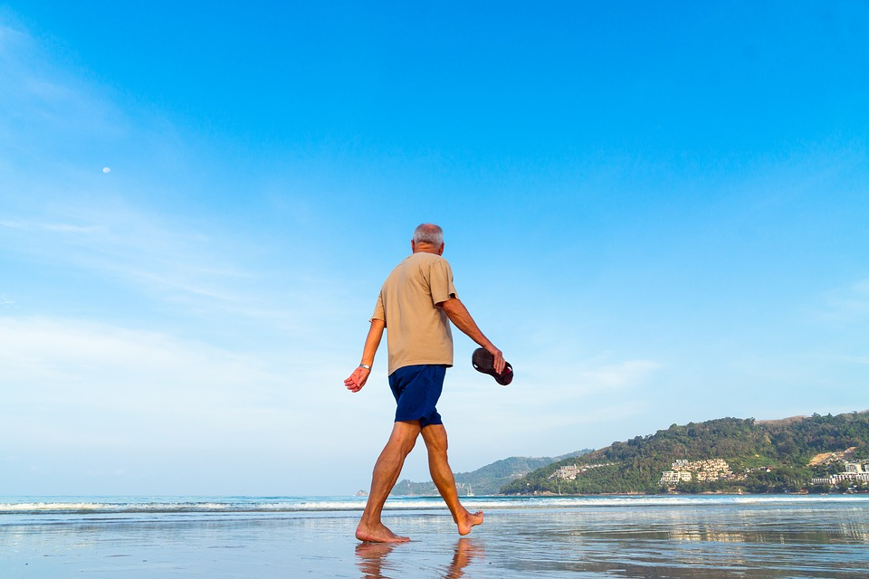 3 Smart Tips to Travel Conveniently with Seniors