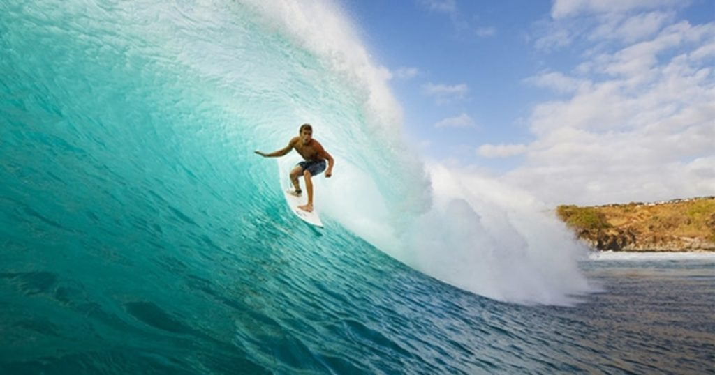 5 of the Best Surf Spots in the World